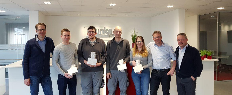 Team Funke feiert den erfolgreichen Abschluss seiner diesjährigen Auszubildenden.